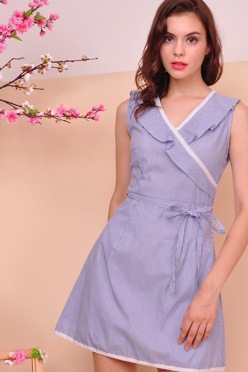 Aerolynn Contrast Ruffle Trim Dress Midnight