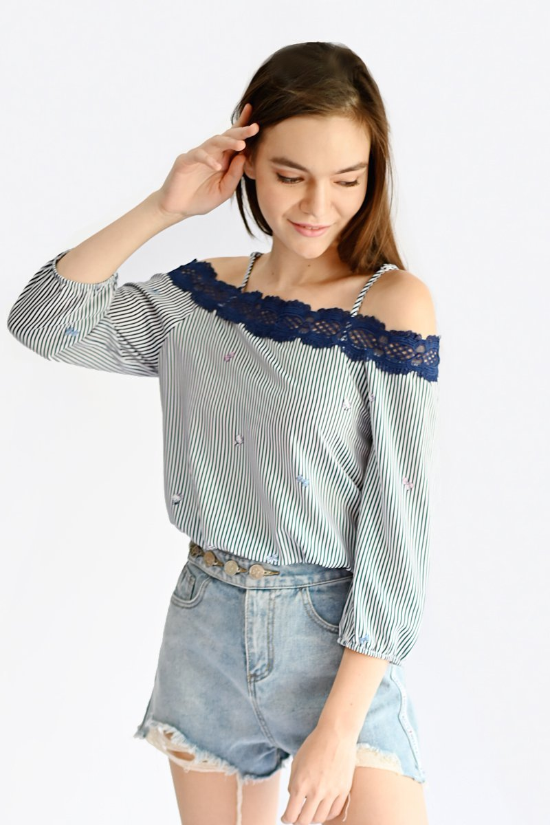 Hello Kitty Scallop Lace Top Midnight