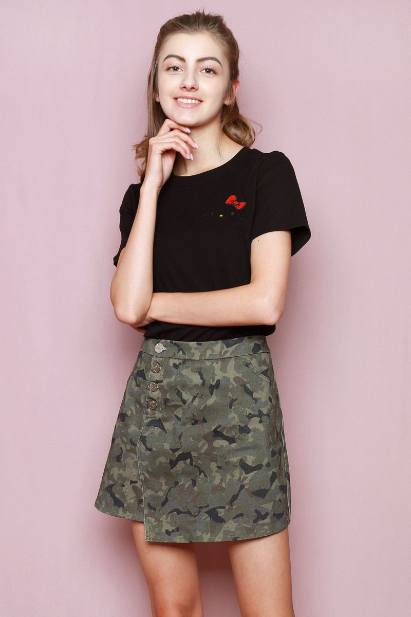 Hello Kitty Embroidered T-Shirt Black