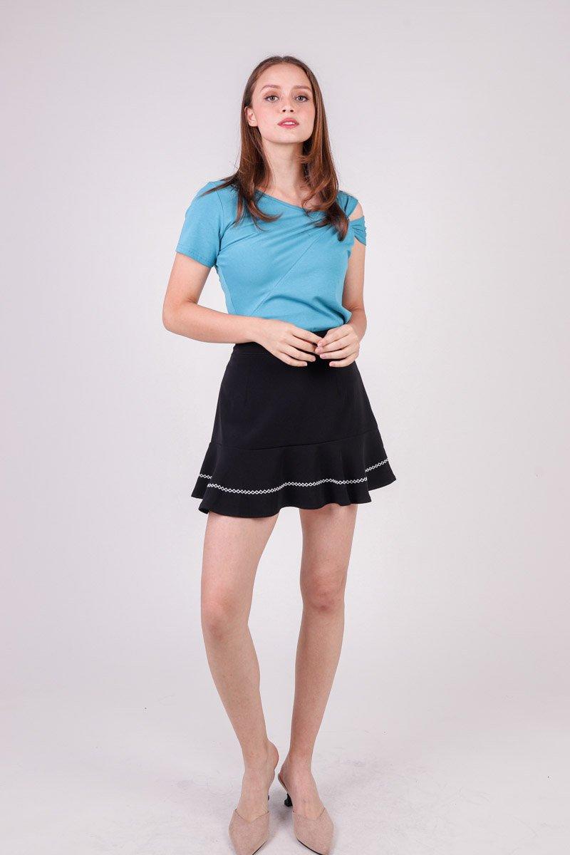 Edlyn Contrast Stitch Hem Skirt Black