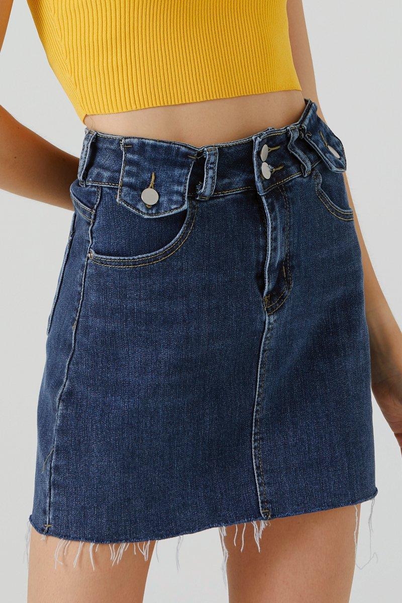 Elysa Raw Hem Denim Skirt Darkwashed