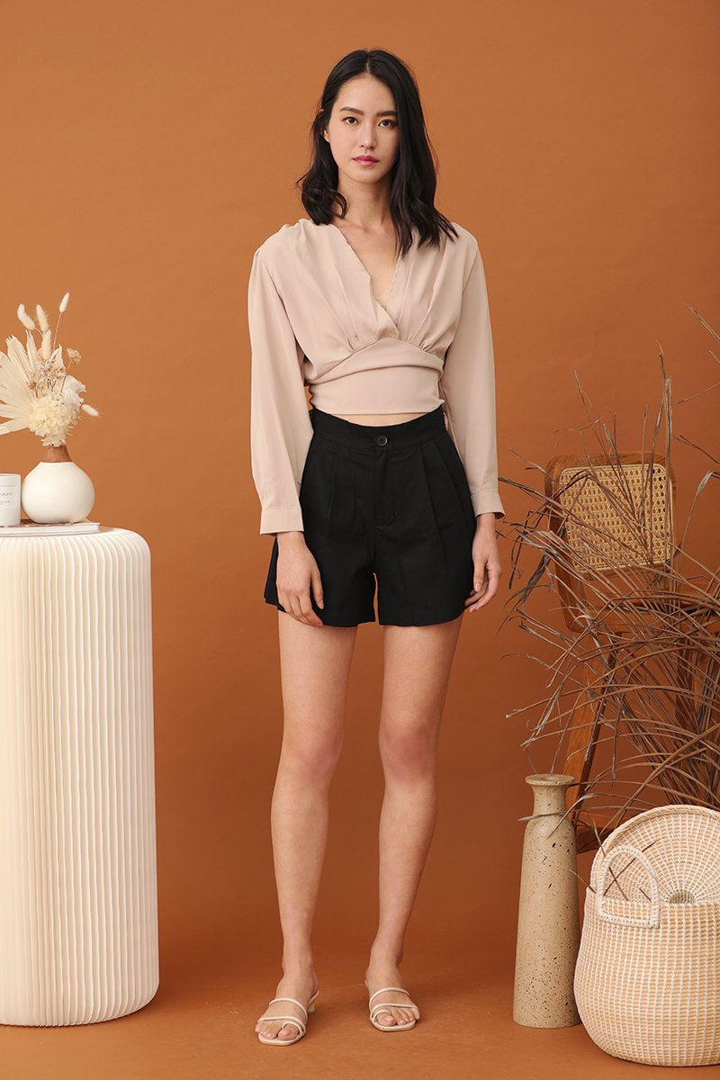 Gina Pleated Button Shorts Black