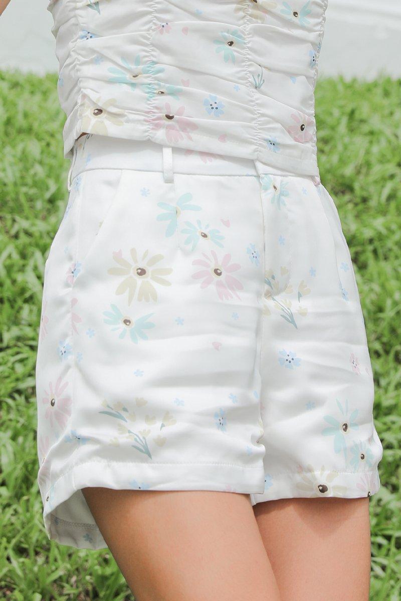 Zinnia Flare Out Shorts Ivory